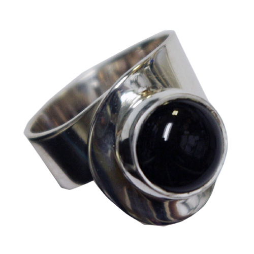 Round Black Onyx Sculptural Ring (RM-74)