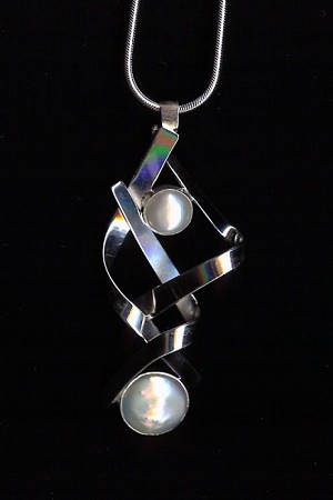 Silver Ribbons Necklace with Pearls
